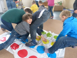 schulprojekte spielen macht schule grundschule schee eler kehre. Black Bedroom Furniture Sets. Home Design Ideas